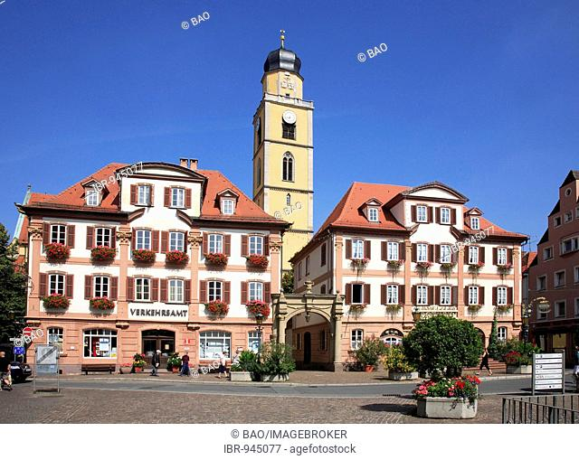 St Johannes Baptist Cathedral and twin houses on the Marktplatz Square, Bad Mergentheim an der Tauber, Baden-Wuerttemberg, Germany, Europe
