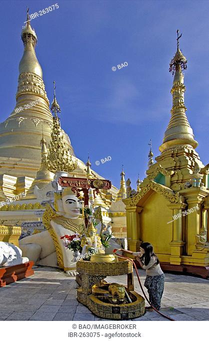 Shwedagon pagoda, Yangon, Rangoon, Myanmar, Burma