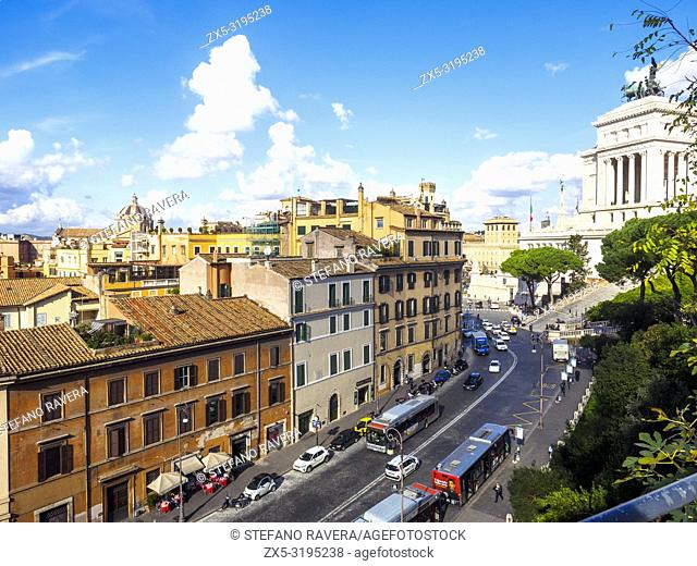 Via del Teatro di Marcello and Altare della Patria - Rome, Italy