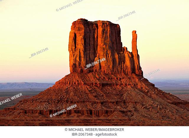 Last light on the mesa, West Mitten Butte, sunset, dusk, Monument Valley, Navajo Tribal Park, Navajo Nation Reservation, Arizona, Utah, United States of America