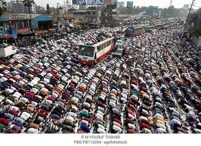 Muslims are praying at in the road due to large number Muslims gathered at Bishaw ijtema at Tongi, Bangladesh Bishaw Ijtema is the second largest Muslim...