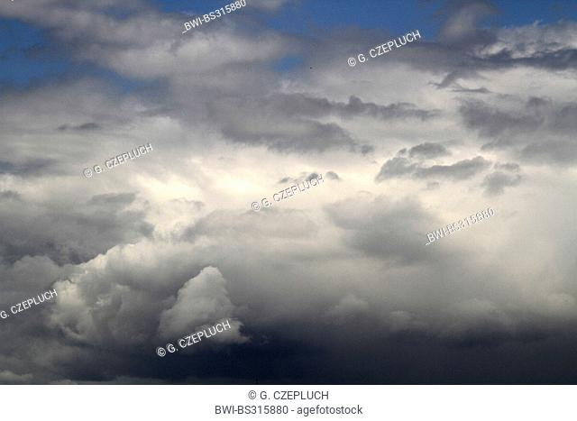 cloudy sky during a change from warmer to tolder weather, Germany, North Rhine-Westphalia