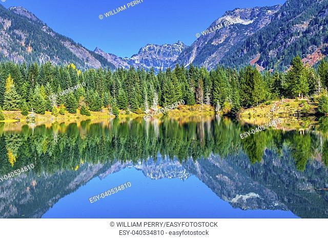 Gold Lake Reflection Mount Chikamin Peak Fall Snoqualme Pass Wenatchee National Forest Wilderness Washington
