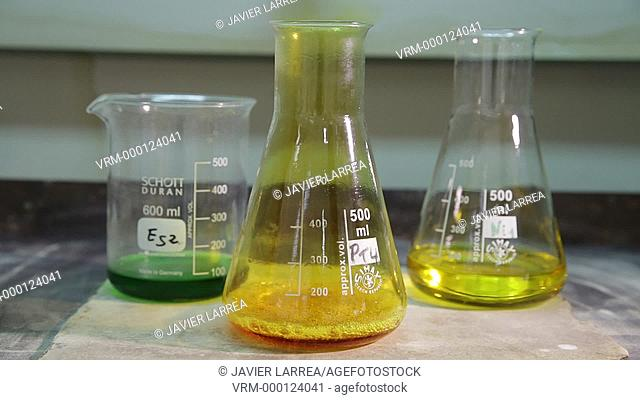 Acid dissolution of metal sample. Chemical Analysis Laboratory. Technological Services to Industry. Tecnalia Research & Innovation, Donostia, San Sebastian