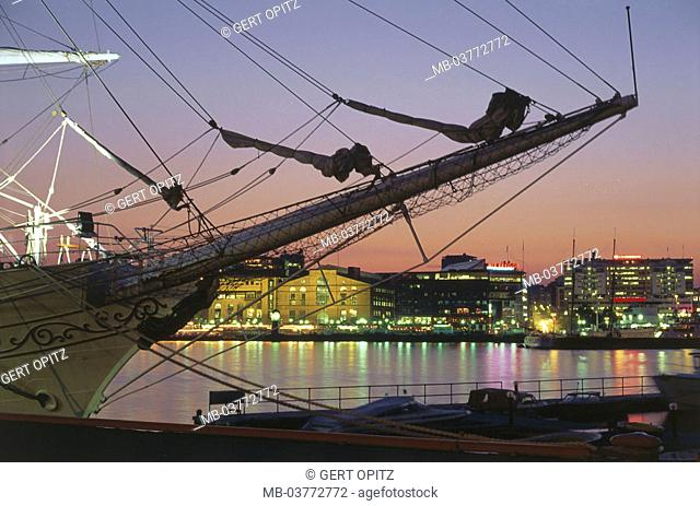 Norway, Oslo, view at the city, harbor,  Ship, detail, lights, twilight,  Scandinavia, Norge, South Norway, capital, city, landing place, sail ship
