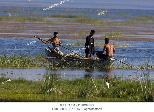 fishermen on the tissa wetlands - Sri Lanka