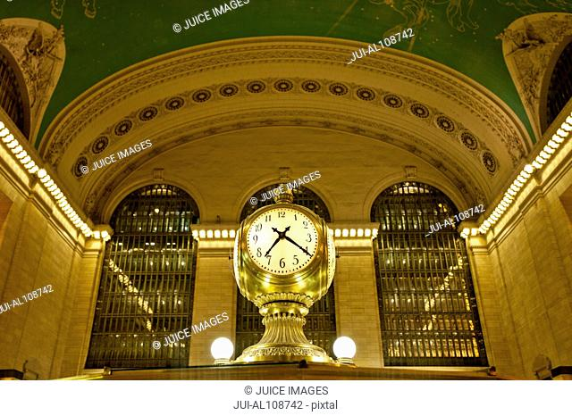 Clock in Grand Central Terminal, New York City, USA