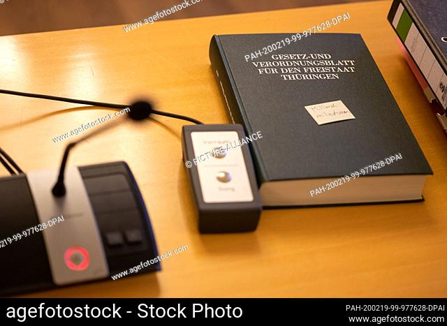 19 February 2020, Thuringia, Weimar: The Law and Ordinance Gazette for the Free State of Thuringia is on a table in front of the Thuringian Constitutional Court