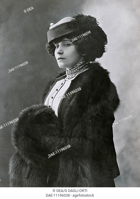Colette, pseudonym of Sidonie-Gabrielle Colette (Saint-Sauveur-en-Puisaye, 1873-Paris, 1954), French writer. Photograph by Henri Manuel (1874-1947)