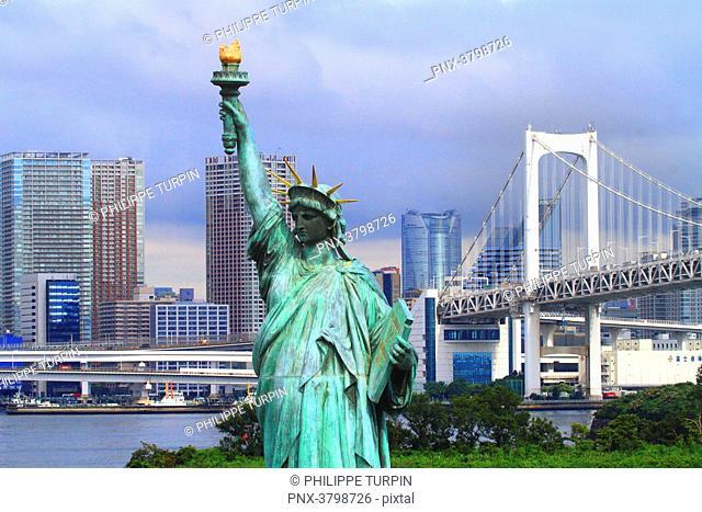 Japan, Tokyo. Tokyo Bay, Odaiba. Liberty statue