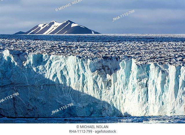 Tidewater glacier, Hornsund, Spitsbergen, Svalbard Archipelago, Norway, Scandinavia, Europe