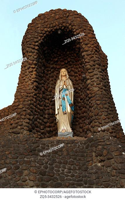 Mother Mary's statue, St. Patrick's Cathedral, Pune, Maharashtra, India