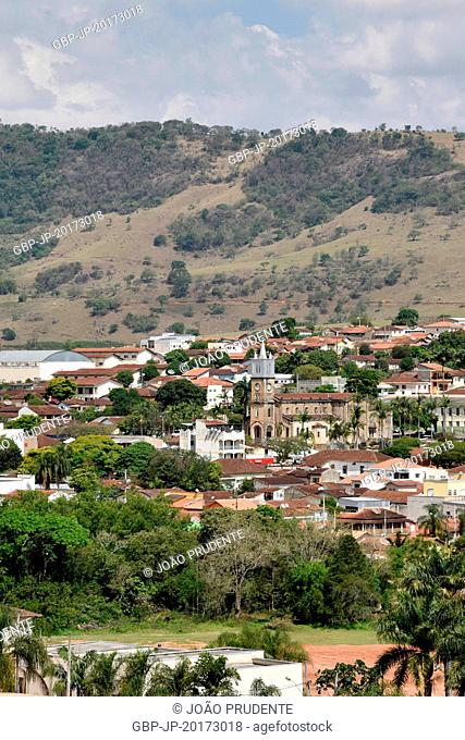 Panoramic view of the city and part of the Way of the Faith that connects the cities of Águas da Prata to Aparecida in the center of the main church São Geraldo...