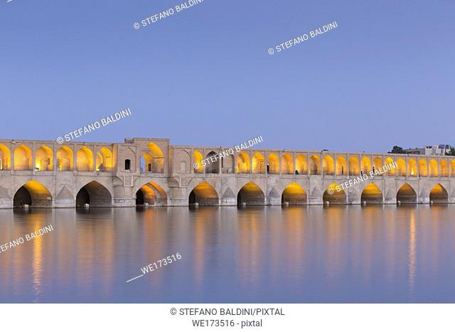 Pol-e Si-o-Seh bridge, or Si-o-Seh bridge, at dusk, Esfahan, Iran