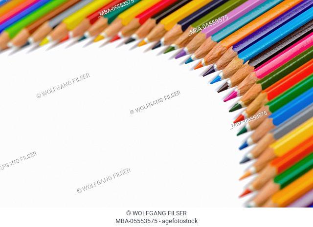 Coloured pencils, colour pencils at the semicircle