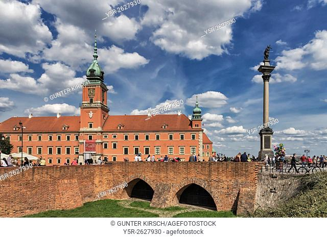 The Palace Square with Sigismunds Column (Kolumna Zygmunta) and the Royal Castle in Warsaw (Zamek Krolewski w Warszawie) belong to the UNESCO World Heritage...