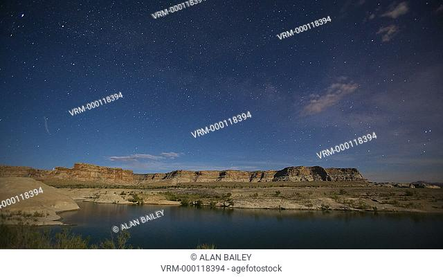 WS T/L Moving clouds over lake Powell / Utah, USA