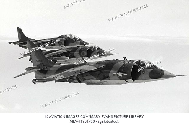 Us Marines Usmc Bae Boeing Av-8A Harriers flying in formation