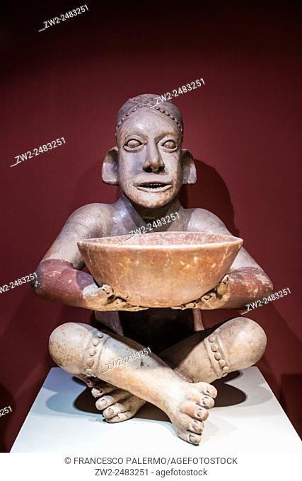 Pre columbian human figure seat with bowl. Guadalajara, Jalisco. Mexico