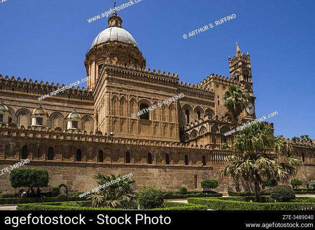 Palermo Cathedral, Victor Emmanuel Street (Via Vittorio Emanuele), Palermo, Sicily, Italy, Europe