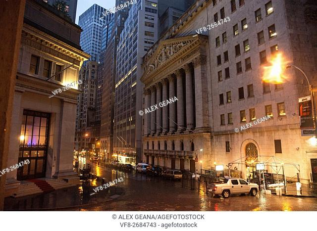 As Hurricane Sandy started to barrel into New York, the financial center of the world got ready