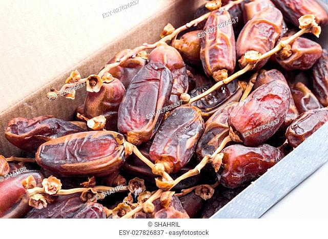 Dates - Deglet Nour or Kurma in box