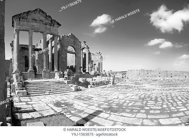 Africa, Tunisia, Sbeitla  Roman ruins of Sufetula