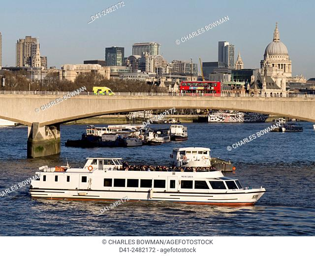 UK, England, London, St Pauls Waterloo Bridge skyline