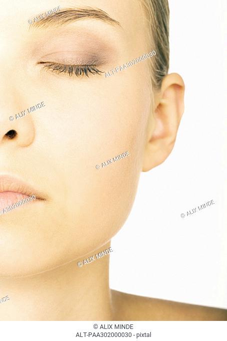 Woman's face, partial view