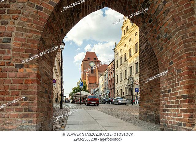 Brama Klasztorna (Monastery Gate) in Torun old town, Kujawsko-Pomorskie province, Poland. UNESCO World Heritage Site