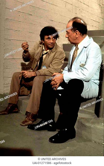 Peter Falk, Jose Ferrer Dr. Marshall Cahill (Jose Ferrer,r) gerät in Verdacht und wird von Lt. Columbo (Peter Falk) befragt
