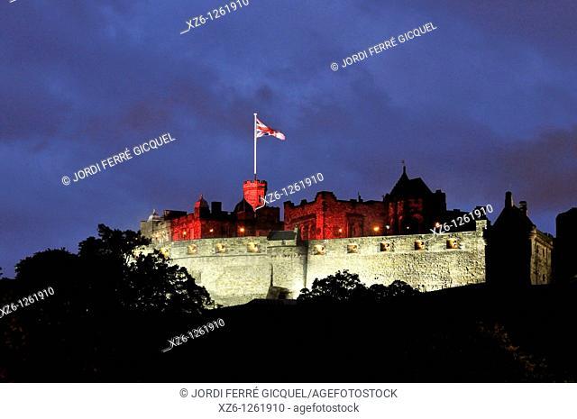 Edinburgh Castle iluminated at night, Edinburgh, Scotland, United Kingdom, Europe