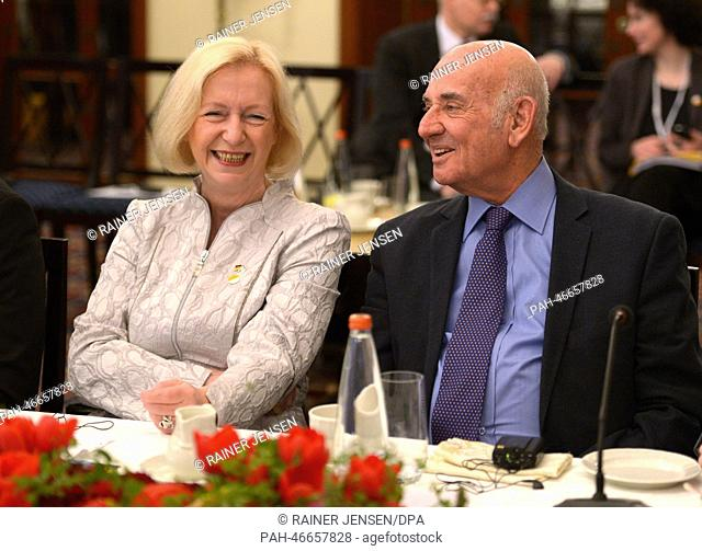 German Minister for Education and Research Johanna Wanka (CDU) and Israeli Minister of Science and Technology Yaakov Perry talk during the German-Israeli...