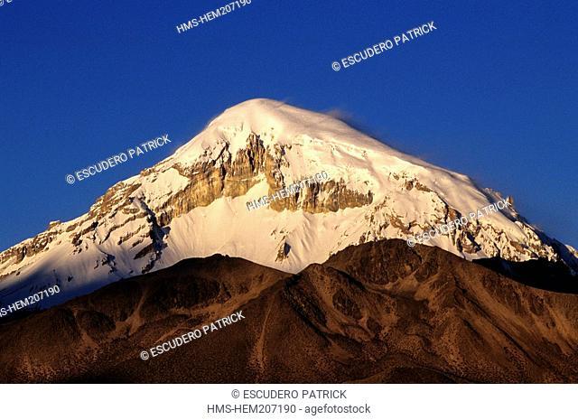 Bolivia, Oruro Department, Sajama Province, Sajama National Park, Sajama stratovolcano 6542 m