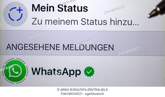 Illustration My Status And Whatsapp Can Be Read On The