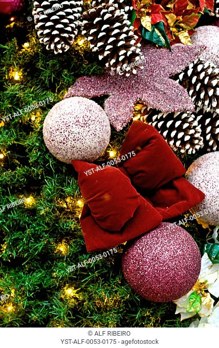 Christmas ornaments, ball, pine, lace, Brazil