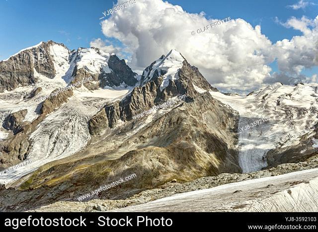 Piz Roseg, Sellagletscher und Piz Bernina seen from Piz Corvatsch Mountain Station, Grisons, Switzerland. | Piz Rosegg von der Corvatsch Bergstation gesehen