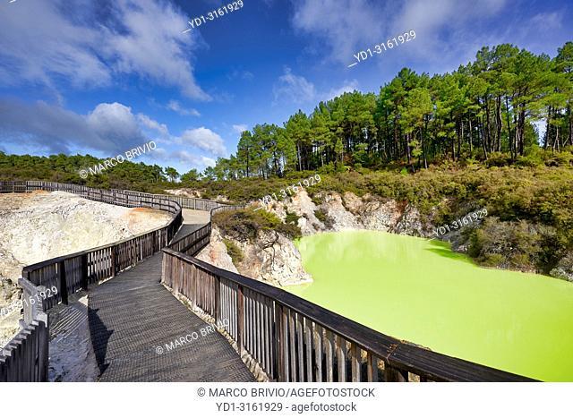 Wai O Tapu geothermal Area. The Devil's Bath. Rotorua New Zealand