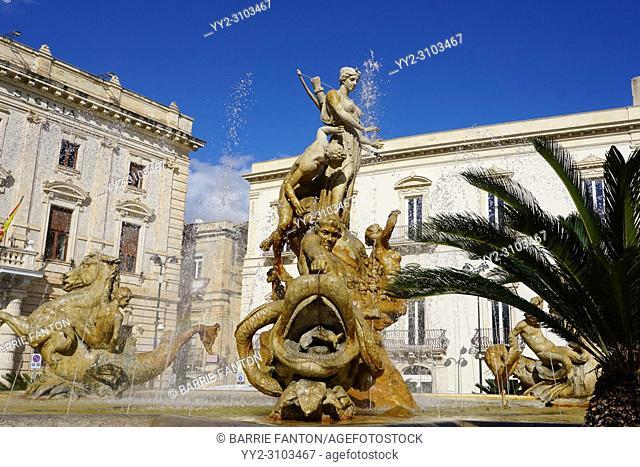 Diana Fountain, Archimede Square (Piazza Archimede) by Giulio Moschetti, Syracuse, Sicily, Italy
