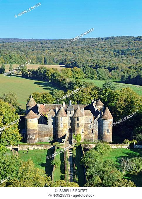France, Burgundy(Bourgogne), Yonne, Treigny, castle of Ratilly dating the XIIth century, aerial view