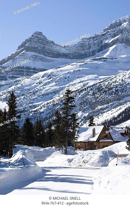 Num-Ti-Jah Lodge, Banff National Park, UNESCO World Heritage Site, Rocky Mountains, Alberta, Canada, North America