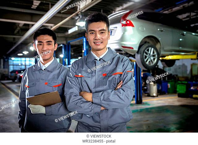 Professional auto repair personnel