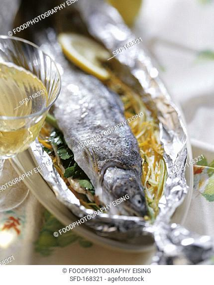 Trout on vegetable strips