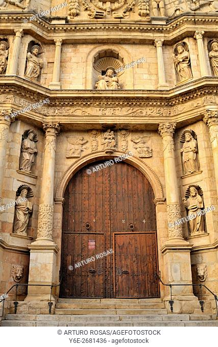 Main gate of St. Mary Church in Montblanc (Tarragona, Catalonia), Spain