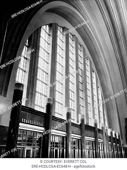 Cincinnati Union Terminal, west wall of concourse, constructed in 1933, partially demolished in 1974, Cincinnati, Ohio, photograph circa early 1970s