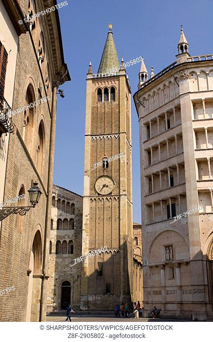 Duomo (Cathedral) and Baptistry, Parma, Emilia-Romagna, Italy