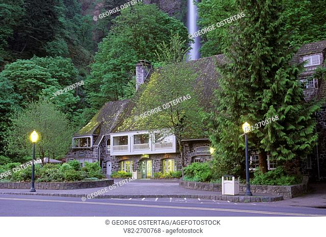 Multnomah Falls Lodge, Columbia River Gorge National Scenic Area, Mt Hood National Forest, Oregon