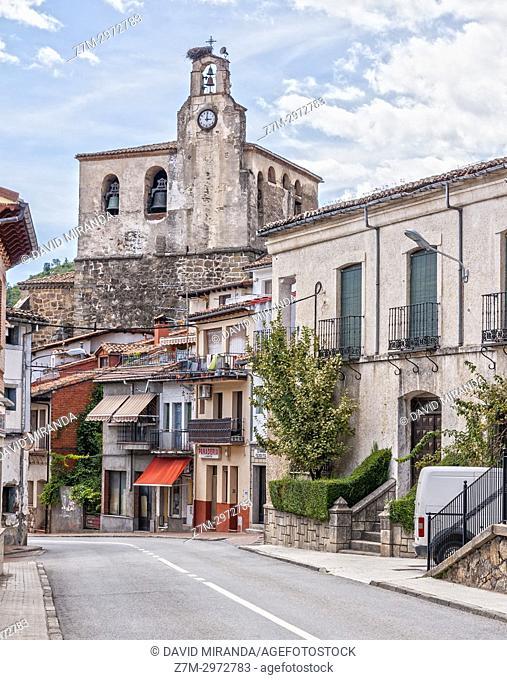 Iglesia de San Juan Bautista y calle Mayor. Mombeltrán. Barranco de las cinco villas. Valle del Tiétar. Provincia de Ávila, Castile-Leon, Spain