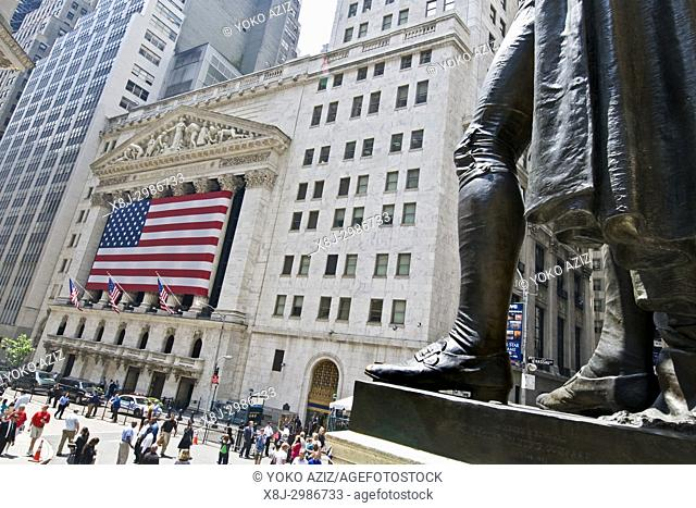 American flag on the New York Stock Exchange (New York, United States of America)