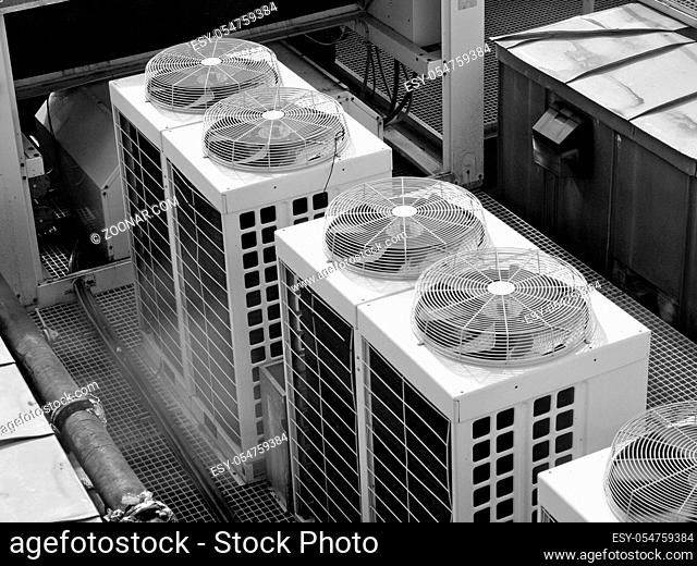 An heating ventilation and air conditioning device